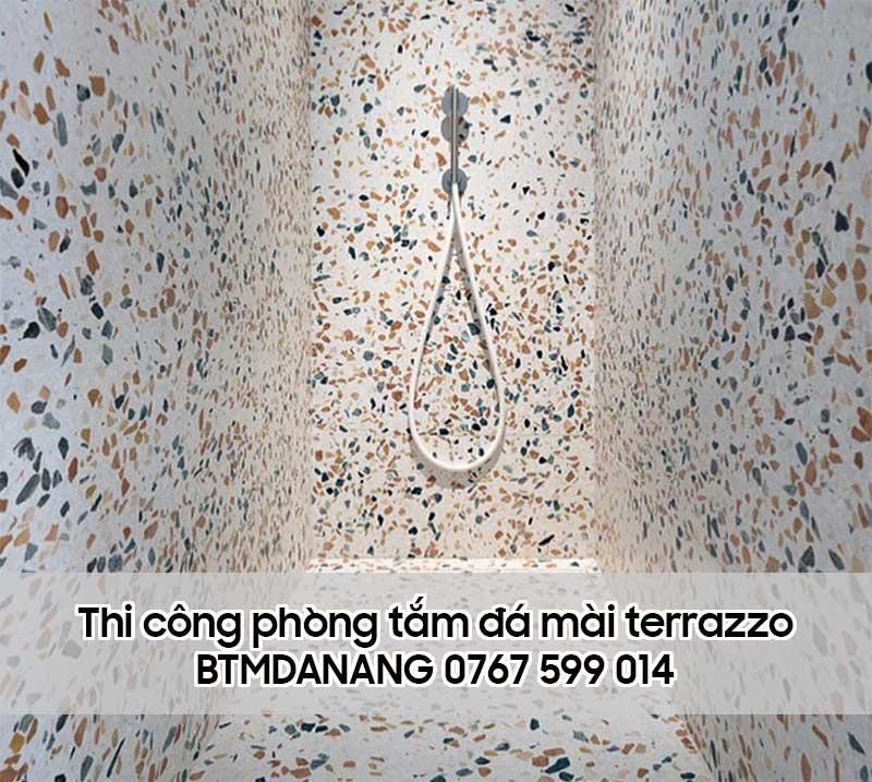 Thi công phòng tắm bằng đá mài terrazzo