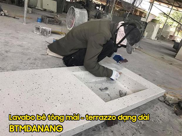 Lavabo bê tông mài terrazzo dạng dài